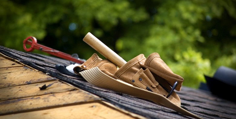 Re-roofing: Signs Your Commercial Building Needs a New Roof